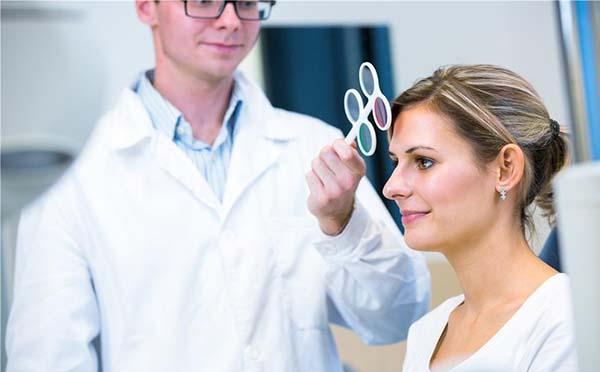 带状疱疹性角膜炎是怎么引起的 专家解释