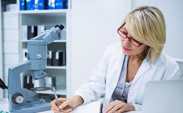 带状疱疹如果不治会有什么危害  看专家分析