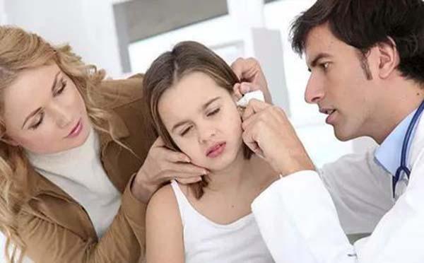 在日常生活中造成小儿耳聋的元凶有哪些呢  看专家怎么解释的