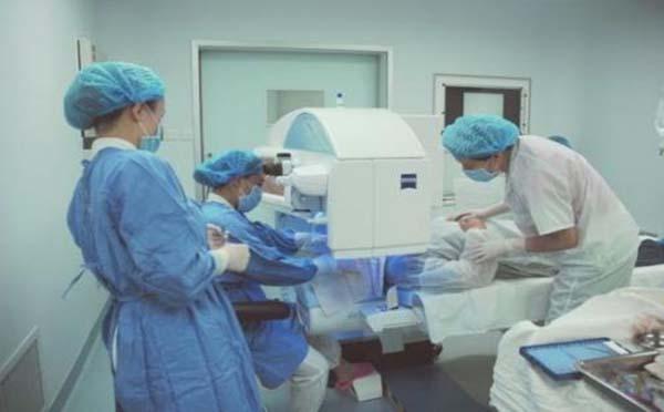 专家的观点是激光手术治疗早期喉癌的优势