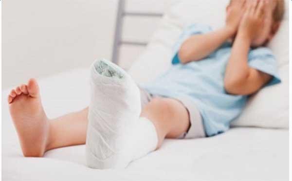 专家向您解答儿童骨折的预防方法